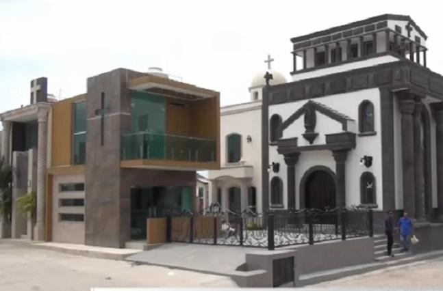 Parecen mansiones tumbas de panteón de Sinaloa