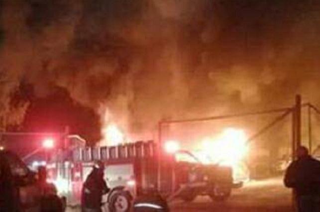 Incendian lote de autos de familia baleada en Tlalancaleca