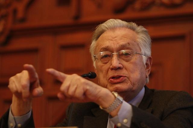 Manuel Bartlett será director general de la CFE, anuncia AMLO