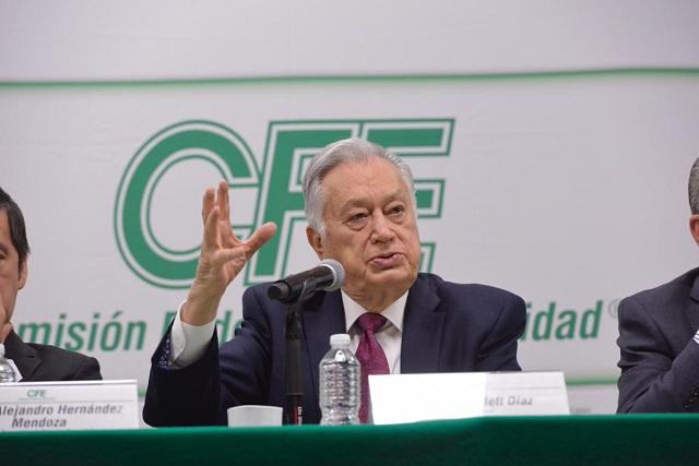 Fuiste un secretario de Energía ignorante, le revira Bartlett a Calderón