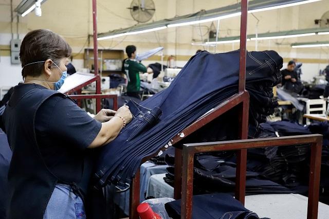 Cerca de la quiebra, más de 100 textileras en Puebla