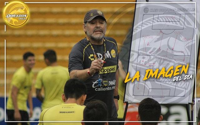Maradona dice estar listo para la Selección Mexicana