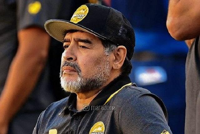 Maradona enfurece y arremete contra reportero de ESPN