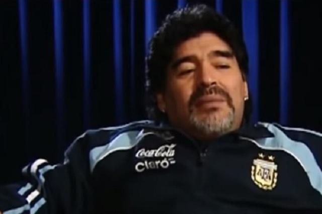 Maradona vino por la blanca, pobrecito de Dorados, dice letra de corrido