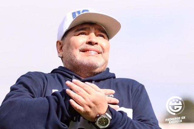 Maradona es nuevo DT de Gimnasia y Esgrima