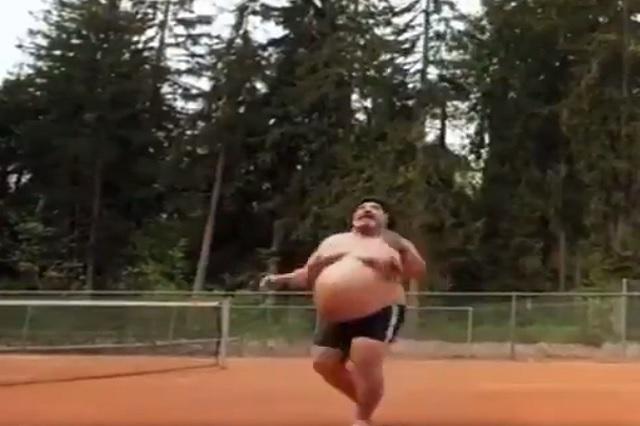 Video causa confusión en redes sociales: ¿es Maradona o no?