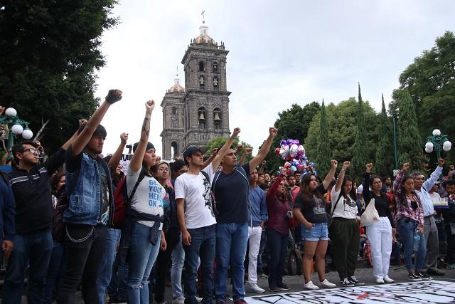 Conmemoran estudiantes, comerciantes y activistas el 2 de Octubre de 1968