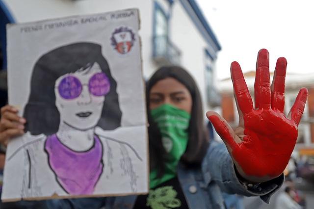 Rechazan feministas partidismo en marcha contra la violencia