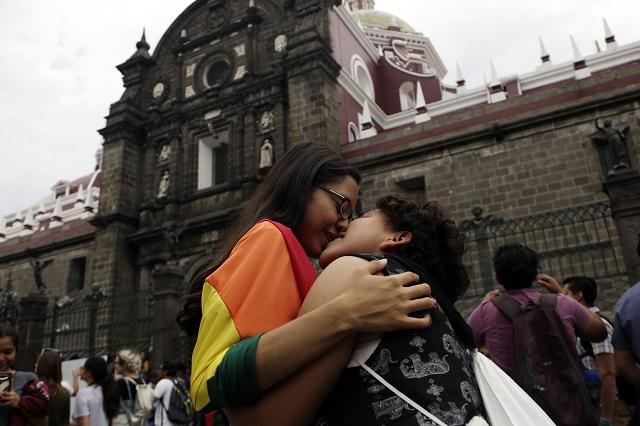 El ISSSTE, pionero en seguridad social a parejas del mismo sexo