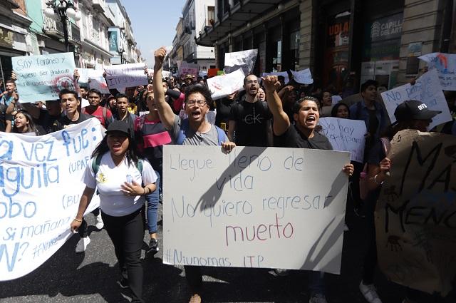 Convocan estudiantes a mega marcha por violencia en Puebla