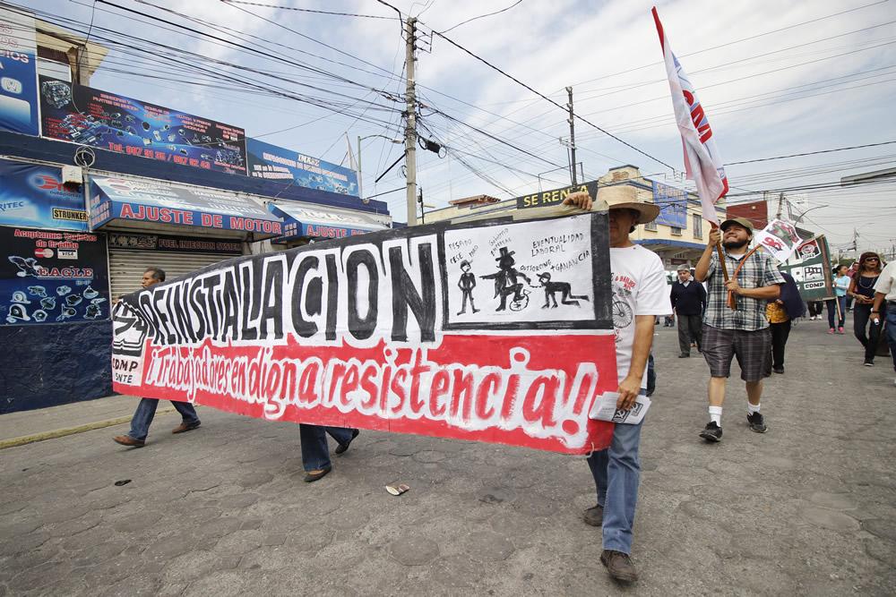 Exigen libertad a presos políticos y mejores condiciones laborales
