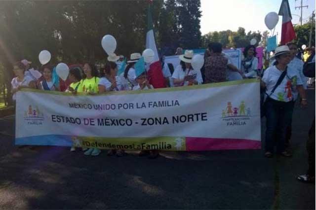 Marchan miles de personas en 120 ciudades del país en contra de las bodas gay