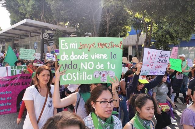 Mujeres recriminan ante FGE violencia feminicida en Puebla