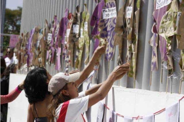 Marchan en Puebla contra la violencia machista y feminicidios