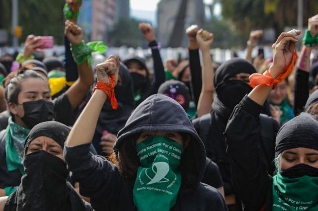 Marcha por legalizar el aborto deja 37 heridos en la CDMX
