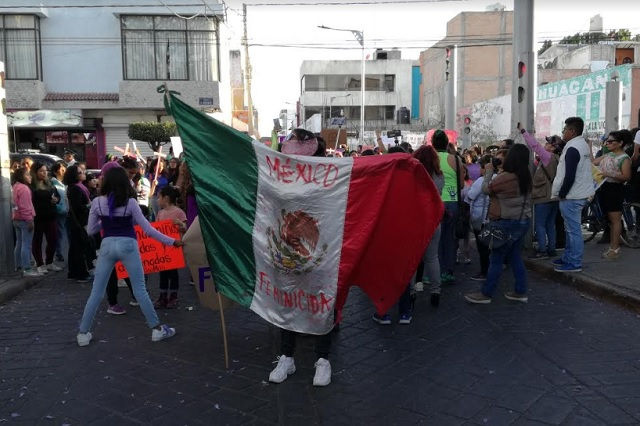 Protestan en Tehuacán por violencia en contra de la mujer