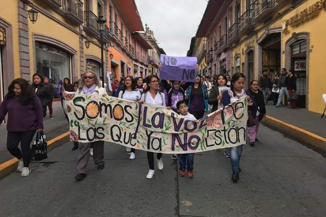 En Teziutlán mujeres marcharon de manera pacífica por el 8M