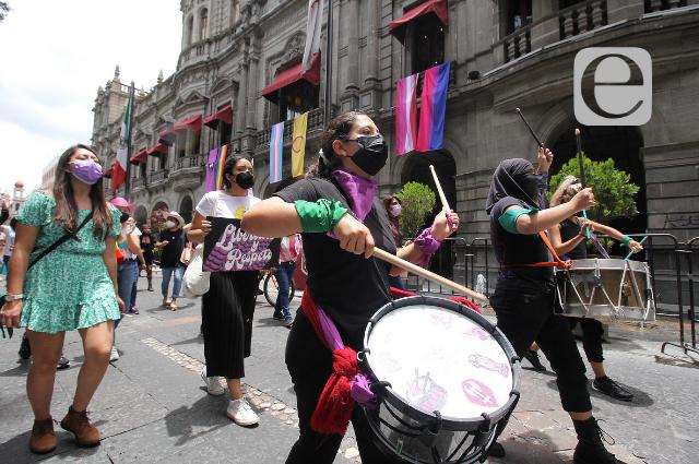 """""""No más discriminación"""", piden en marcha LGBTTTI"""