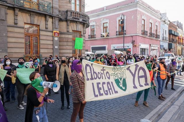 Más mujeres toman el Congreso y exigen ya el aborto legal
