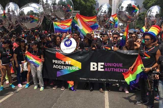 Marcha del Orgullo Gay va del Ángel de la Independencia al Zócalo