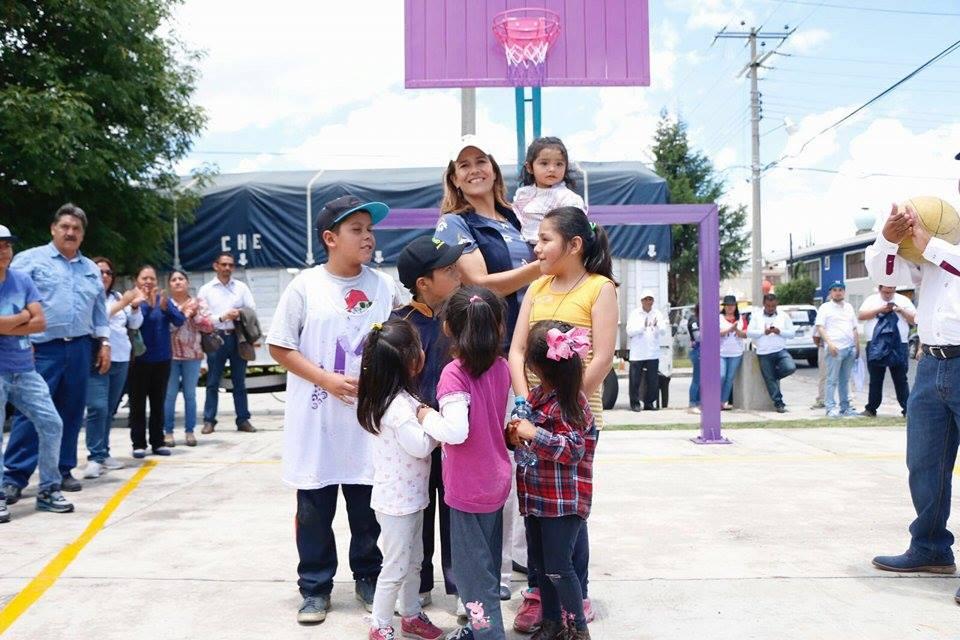 Margarita Zavala se promociona rumbo a 2018 en espectaculares con mala ortografía