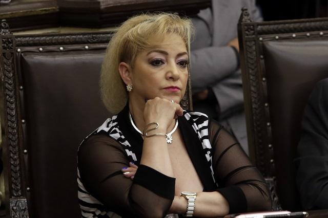 Mari Carmen Saavedra también deja la bancada del PAN
