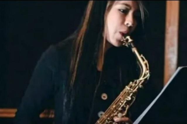 Esposa de diputado implicado en caso de saxofonista denuncia amenazas
