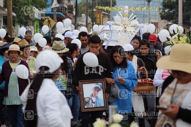 Con mariachis despiden a Chema, poblano fallecido en Xochimilco
