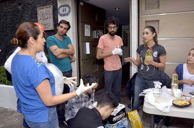 María León muestra su apoyo a damnificados por sismo en México