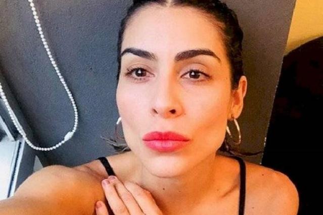 María León publica foto con el rostro vendado y preocupa a sus fans