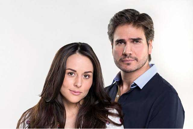 Mi marido tiene familia es protagonizada por Zuria Vega y Daniel Arenas