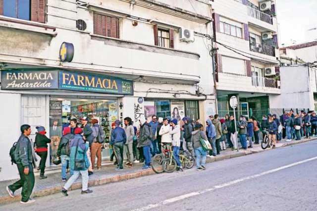 Uruguay comienza a vender marihuana y en un par de horas se agota el stock