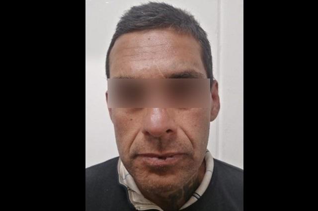 Tras persecución, detienen a hombre por robo de vehículo