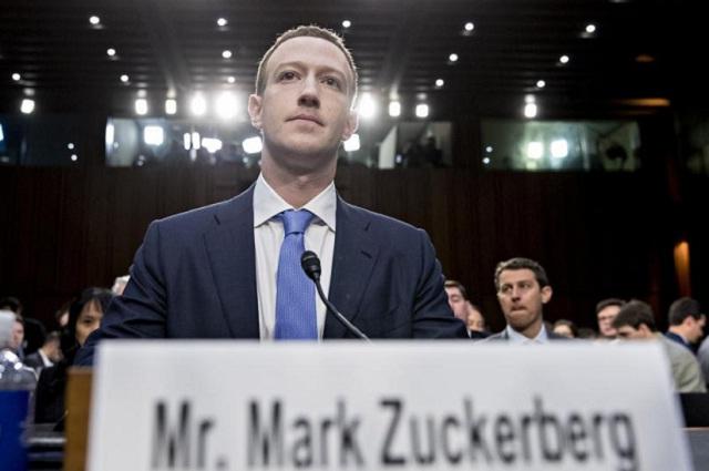Zuckerberg revela que Cambridge Analytica le robó sus datos personales