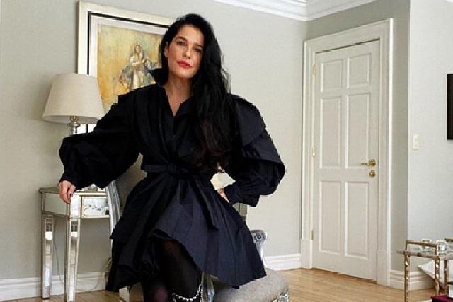 Martha Debayle fascina las redes con botas Chanel de más de 50 mil pesos