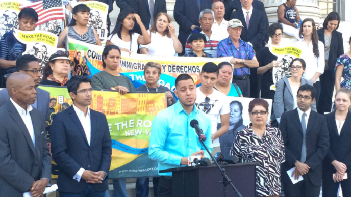 Dreamer mexicano demanda a Trump por cancelar programa DACA