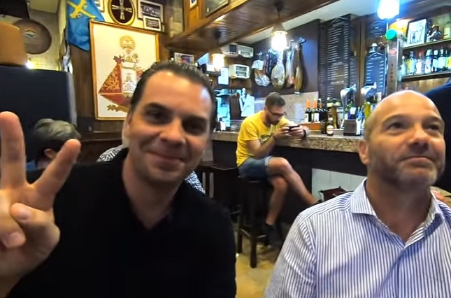 Martinoli y Luis García engañados y ven final por tv