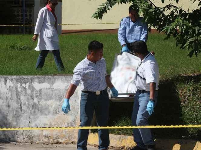 Resultado de imagen para hombre mata a su mujer y a tres hijos en méxico y luego se sucida