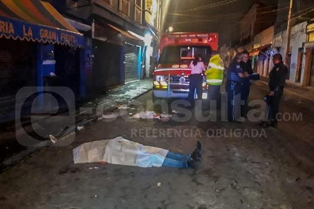Matan a golpes a hombre durante riña en el Centro de Puebla