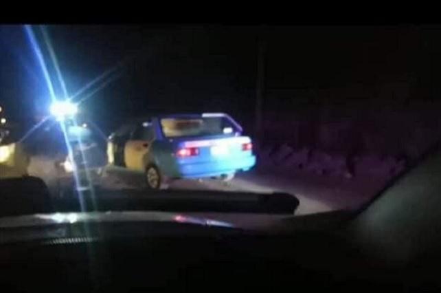 Pasajeros matan a taxista para robarle su unidad en Grajales