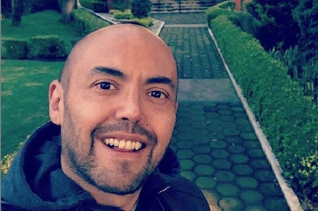 Mauricio Clark comparte foto con chica y dicen es su novia