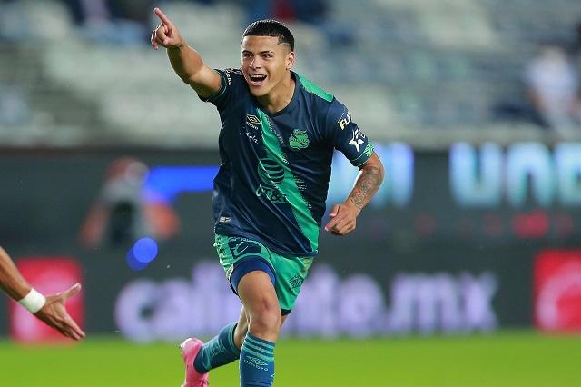 Maxi Araújo también dejaría Puebla para llegar al Porto