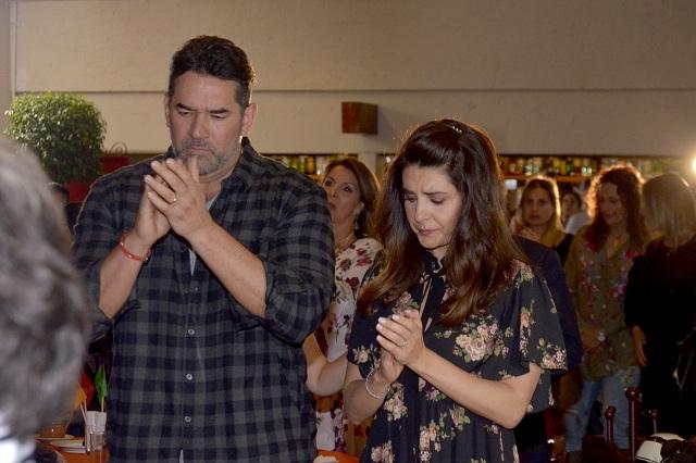 Mayrin Villanueva y Jorge Poza se reúnen en inicio de telenovela Sin tu Mirada