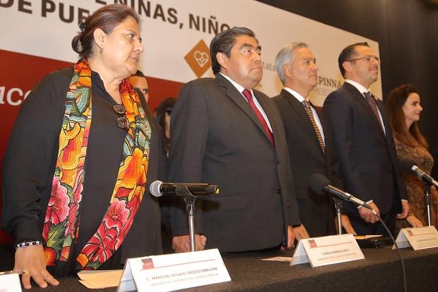 Reinstalan sistema protector de niños y adolescentes en Puebla