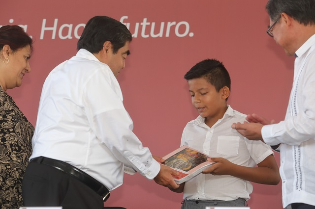 Promete Barbosa Huerta programa de recuperación de escuelas