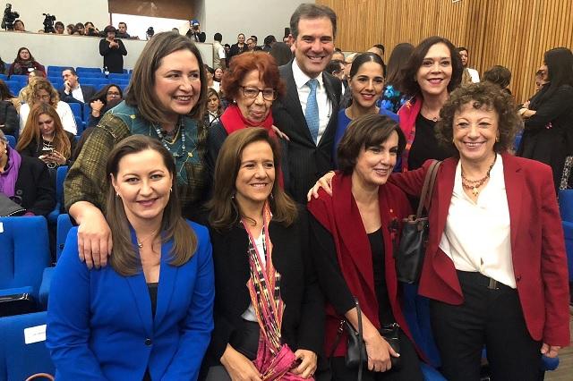 Presente Martha Erika Alonso en 65 Aniversario del Voto Femenino
