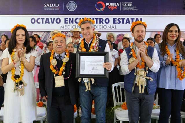 Federación reconoce a Gali por impulso a la medicina tradicional