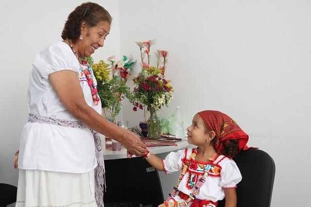 Promueven relevancia de la medicina tradicional en Puebla