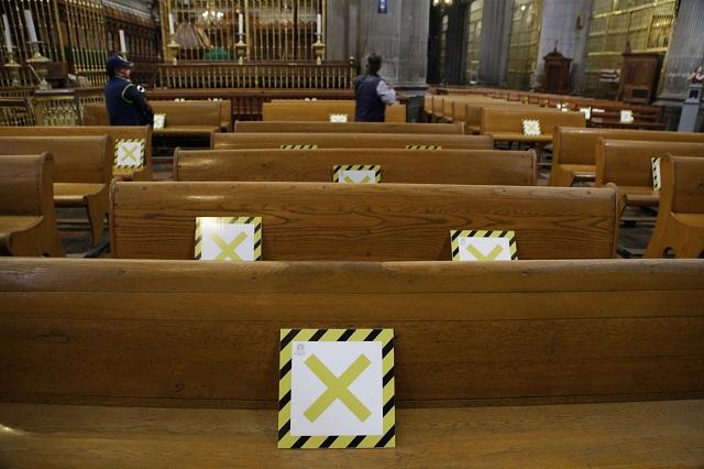 Ofician la última misa a puerta cerrada en la Catedral de Puebla