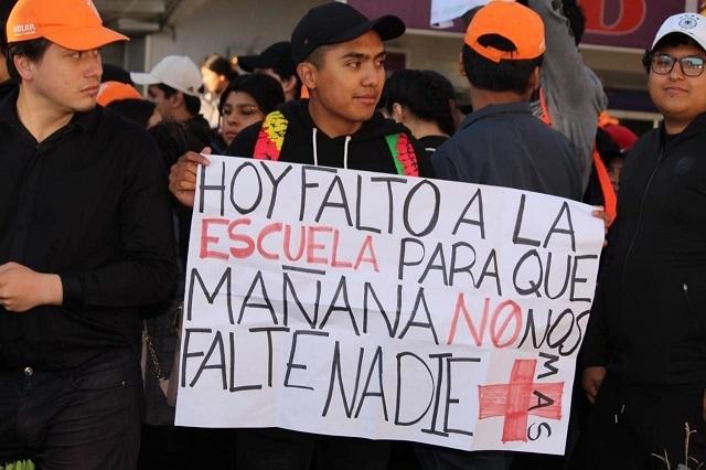 Inseguridad saca a las calles a miles de estudiantes en Puebla